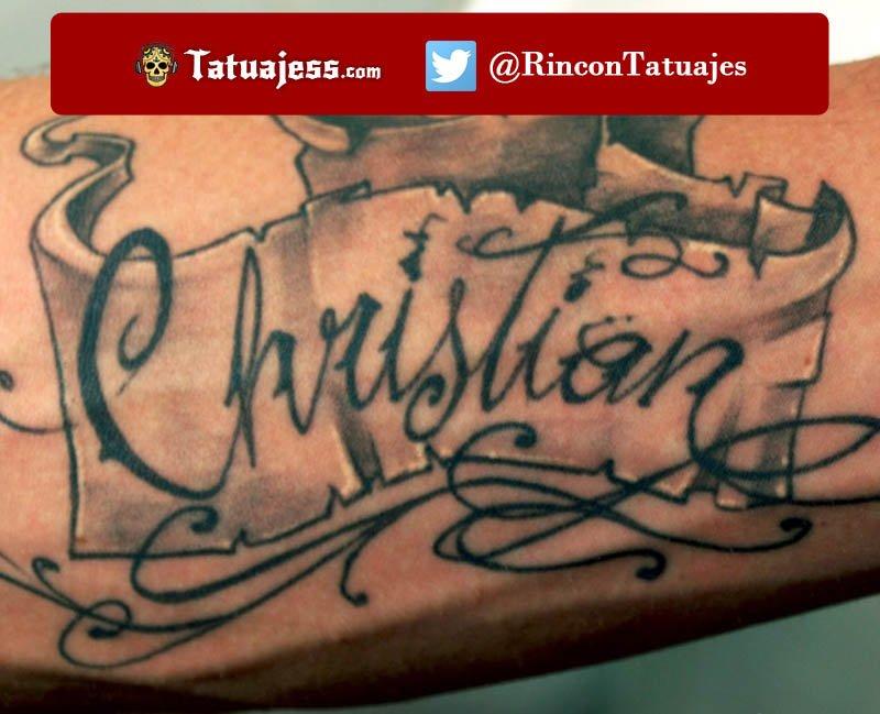 Tatuaje de nombre en el brazo (CHRISTIAN)