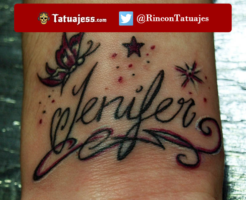Tatuaje de nombre en la muñeca (Jenifer)