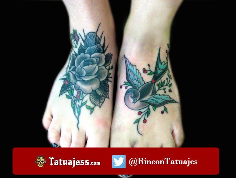 Tatuaje de golondrina y rosa