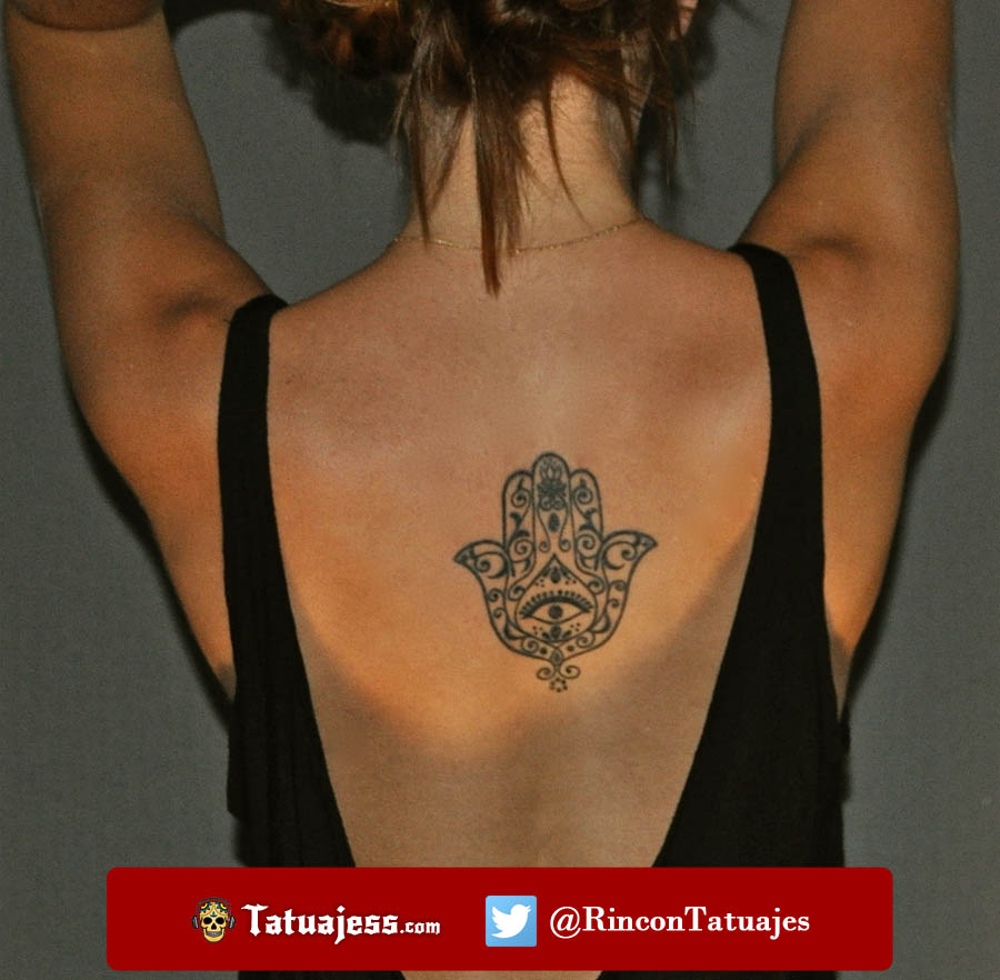 Tatuaje de la mano de fátima