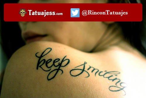 Tatuaje para mujer de una frase