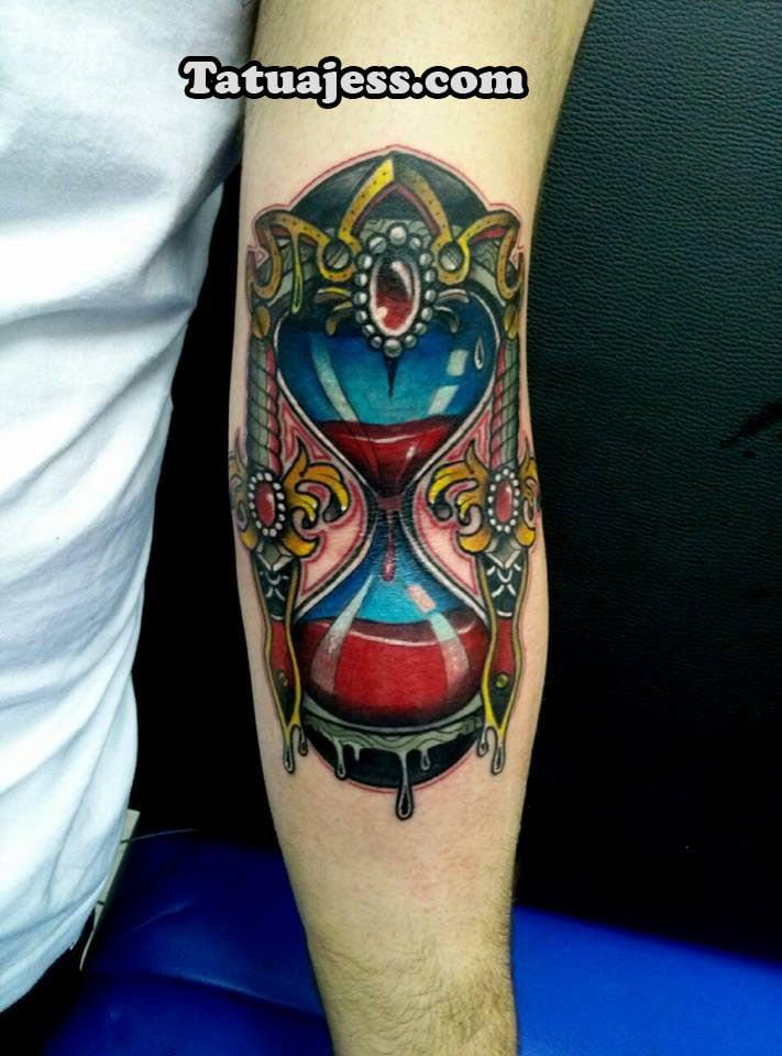 Tatuajes de relojes - color 4