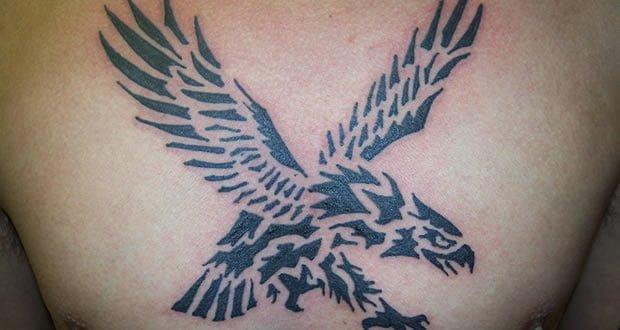 Fotografías de tatuajes de águilas en blanco y negro