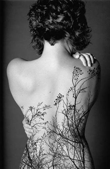 Tatuajes De Mujeres En La Espalda Ideas Y Fotografías