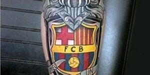 tatuaje barca escudo