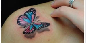 tatuaje mariposa a color