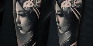tatuajes de geishas blanco y negro