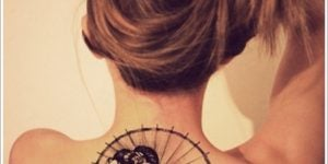 tatuajes de geishas espalda mujer