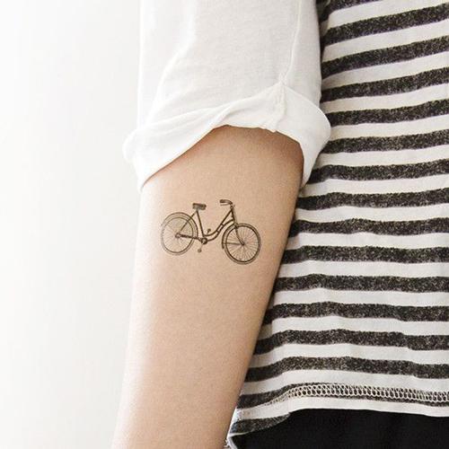 tatuajes de bicicletas para mujeres